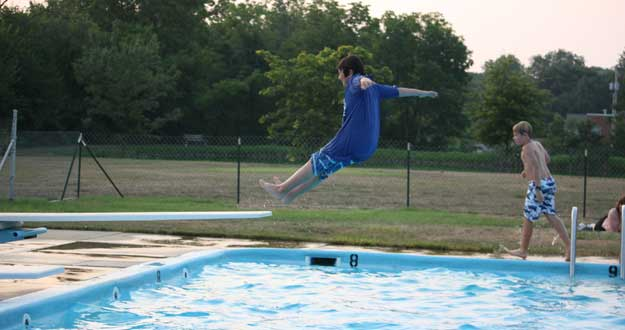 Support the Strasburg Community Pool Lancaster County